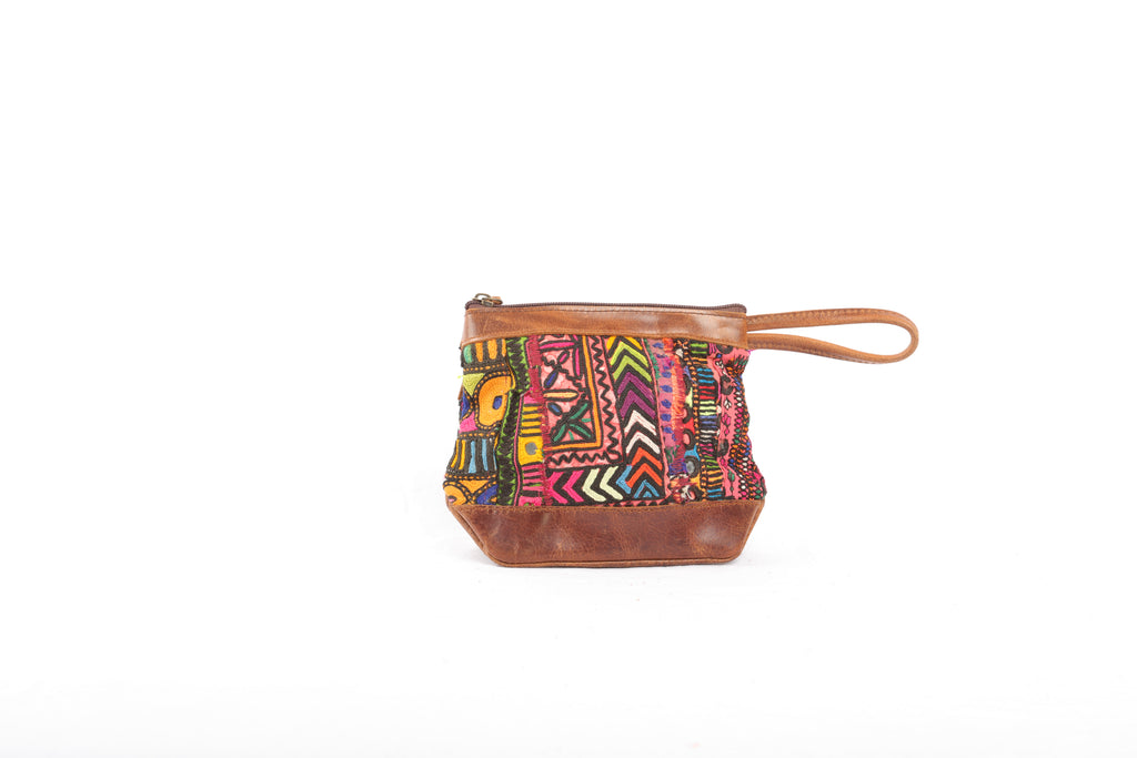 'Aptu' Clutch in Congo Pink