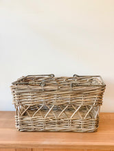 Load image into Gallery viewer, Sorella Picnic Basket