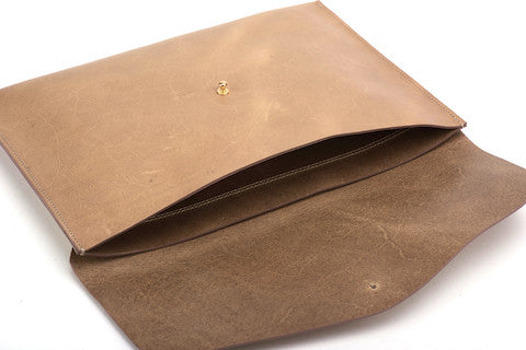 The Leather Pouch Sand