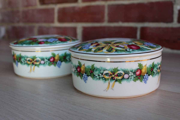 Mikasa (Japan) Christmas Bouquet Round Ceramic Box with Lid, A Pair