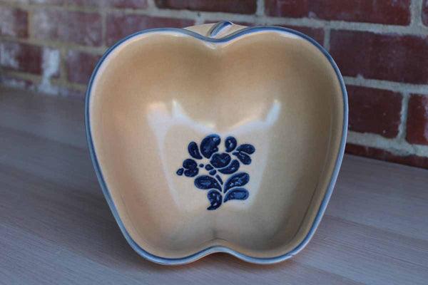 Pfaltzgraff (Pennsylvania, USA) Folk Art Apple Baker Dish