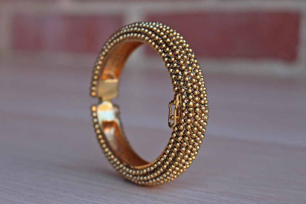 Trifari (USA) Gold Tone Heavy Bead Textured Bracelet with Magnetic Clasp