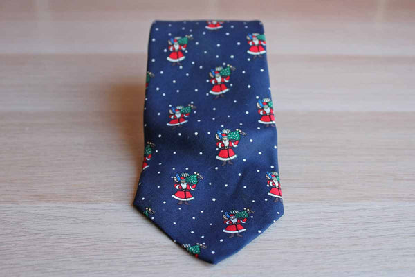 Brooks Brothers (New York, USA) 100% Silk Necktie Decorated with Santa Claus Bearing Gifts