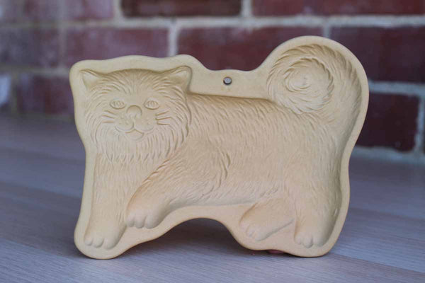 Brown Bag Cookie Art (New Hampshire, USA) Stoneware Cookie Mold of a Cat