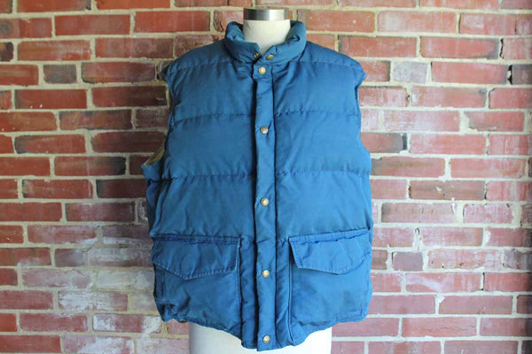 Woolrich (USA) Down-Filled Blue and Tan Vest, Mens Size XL