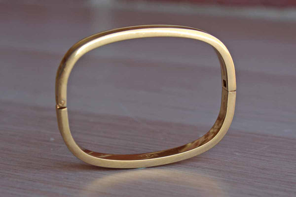 Monet (New York, USA) Gold Tone Rectangular-Shaped Bracelet
