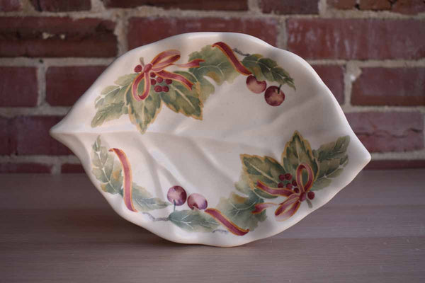Pfaltzgraff (Pennsylvania, USA) Jamberry Ceramic Dish