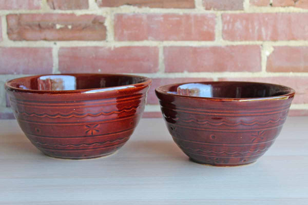 Mar-Crest Stoneware (Illinois, USA) Daisy and Dot Stoneware Mixing Bowls