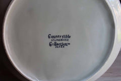 Countryside Stoneware Collection (Japan) Lidded Casserole Dish