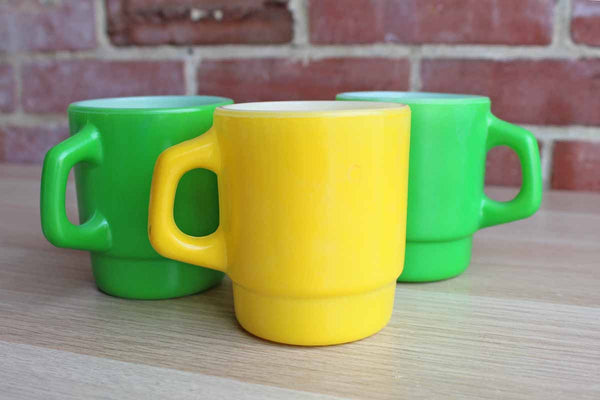 Anchor Hocking (Ohio, USA) Fire King Yellow and Green Stackable Coffee Mugs, Set of 3