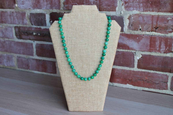 Emanuel Ciner (New York, USA) Jade Green Beaded and Hand Knotted Necklace with Cabochon Box Clasp