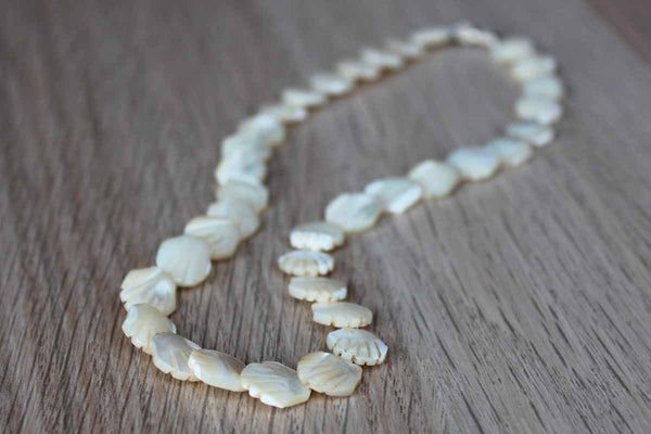 Natural Shell Necklace with Screw Barrel Clasp