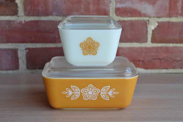 Corning Inc. (New York, USA) Pyrex Butteryfly Gold Refrigerator Dishes, 2 Sizes