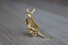 Avon Gold Tone Kangaroo Brooch with Rhinestone Eyes and Moving Tail and Baby Joey