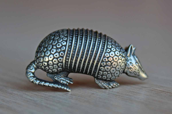 Jonette Jewelry (Rhode Island, USA) Silver Tone Metal Armadillo Brooch