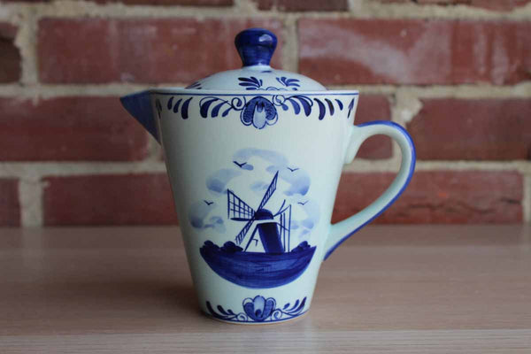 Delft's Blue (Holland) Ceramic Blue and White Handled Pouring Cup with Lid