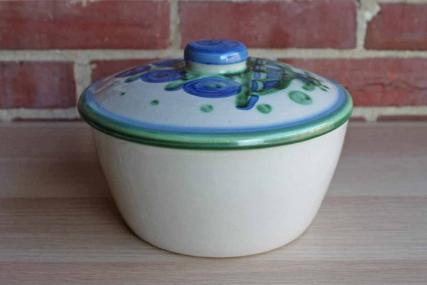 Mary Alice Hadley Pottery (Kentucky, USA) Lidded Baking Dish Decorated with Blue and Green Flowers
