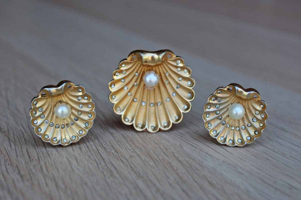 Clam Shell Gold and Silver Pave Rhinestone Brooch and Matching Non-Pierced Clip-On Earrings