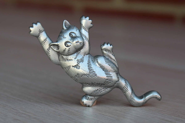 Jonette Jewelry (Rhode Island, USA) Silver Climbing Cat Brooch