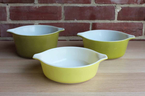 Corning Inc. (New York, USA) Pyrex Avocado Green Cinderella Nesting Bowls, Set of 3