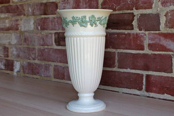 Wedgwood (England) Porcelain Queen's Ware Ivory Vase with Green Grapevine Border
