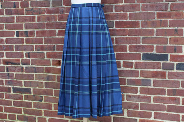 Pendleton Woolen Mills (Oregon, USA) 100% Virgin Wool Blue and Green Plaid Pleated Skirt, Size 8