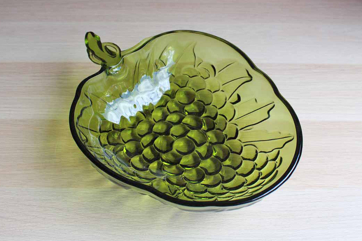 "Indiana Glass Co. (Indiana, USA) 13"" Green Glass Grape Cluster Fruit Bowl"