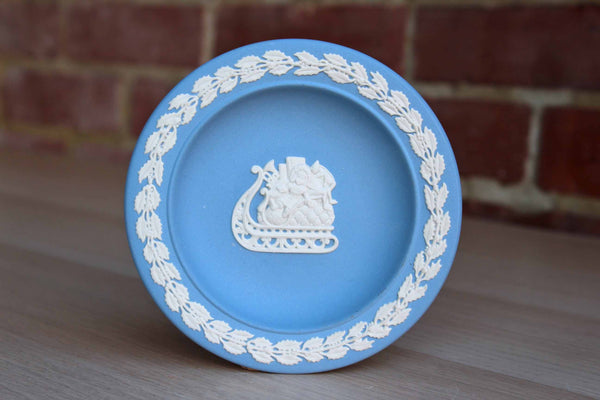 Wedgwood (England) Wallace Arnold Jubilee Year Blue Jasperware Round Sleigh Dish with Band of Holly