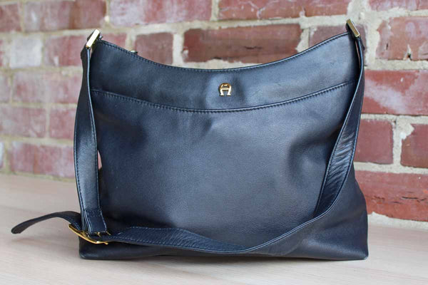 Etienne Aigner (New York, USA) Navy Blue Shoulder Bag