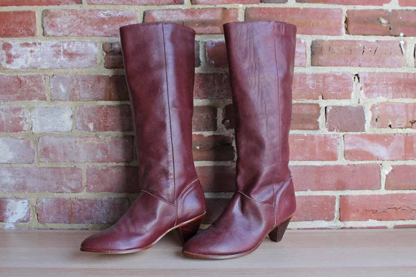 The Frye Company (New York, USA) Tall Red Leather Boots with Wood Heel, Size 8