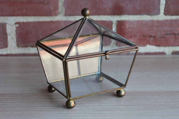 Welded Metal and Glass Lidded Display Box