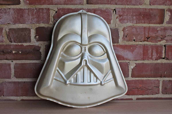 Wilton (Illinois, USA) 1980 Star Wars Empire Strikes Back Darth Vader Cake Pan