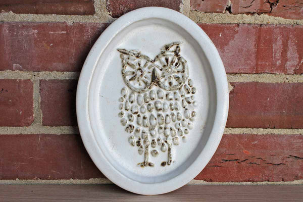 Bennington Potters (Vermont, USA) Handmade Stoneware Owl Decorated Oval Dish