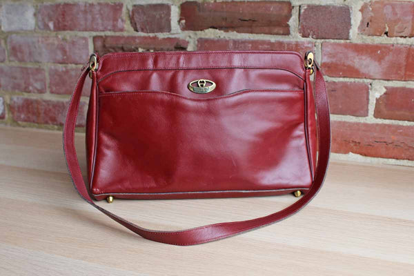 Etienne Aigner (New York, USA) Antic Red Leather Shoulder Handbag with Front Open Pocket
