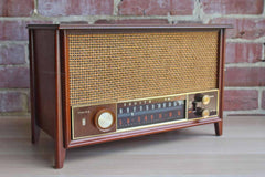 Zenith (Illinois, USA) AM/FM Long Distance Tube Radio