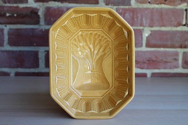 Museum of American Folk Art (New York, USA) Decorative Ceramic Mold with Wheat
