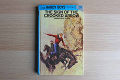 The Hardy Boys #28:  The Sign of the Crooked Arrow By Franklin W. Dixon