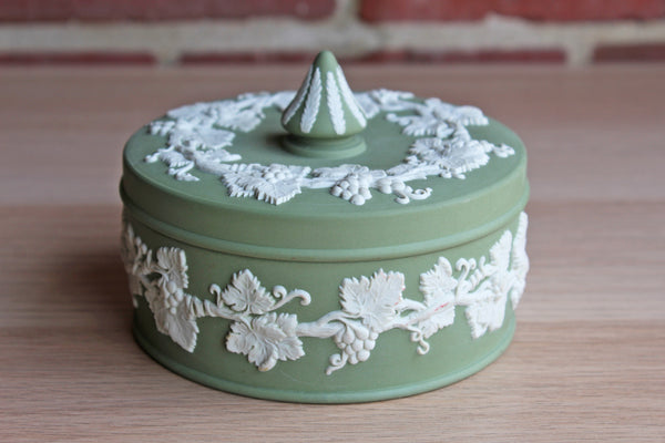Wedgwood (England) Cream Color on Celadon Jasperware Grape Vine Spiked Knob Box