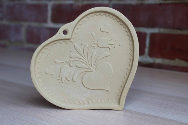 Brown Bag Cookie Art (New Hampshire, USA) 1986 Stoneware Folk Heart Cookie Mold