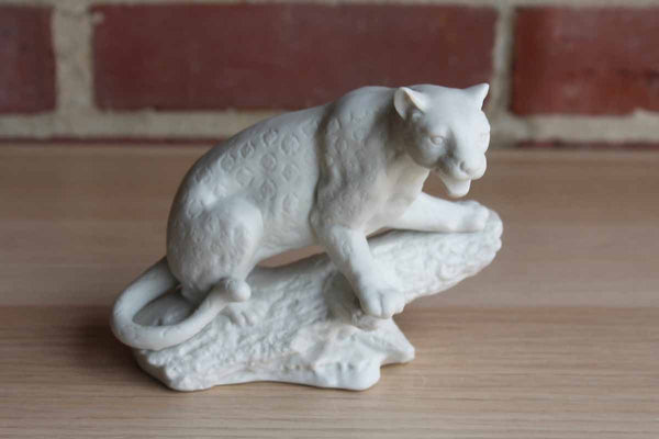 Aldon Accessories Ltd. (New York, USA) White Bisque Porcelain Leopard Perched on a Tree