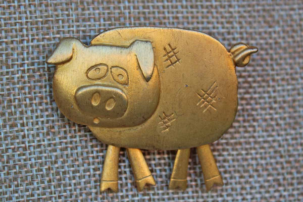 Jonette Jewelry (Rhode Island, USA) Gold Tone Pig Brooch with Dangling Legs