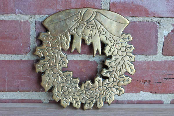 Knobler (Taiwan) Brass Christmas Wreath Trivet