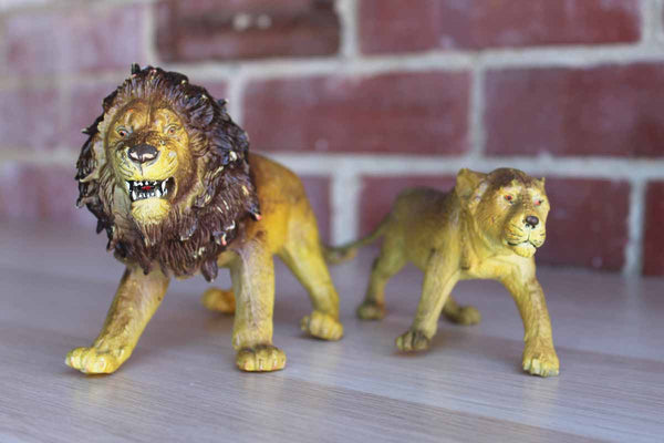 AAA (China) Solid Cast Resin Lion and Tiger Figurines