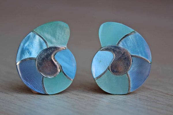 Blue Shell-Shaped Pierced Earrings
