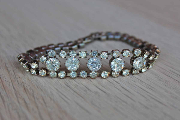 Silver Tone Rhinestone Bracelet Decorated with Round Center Stones