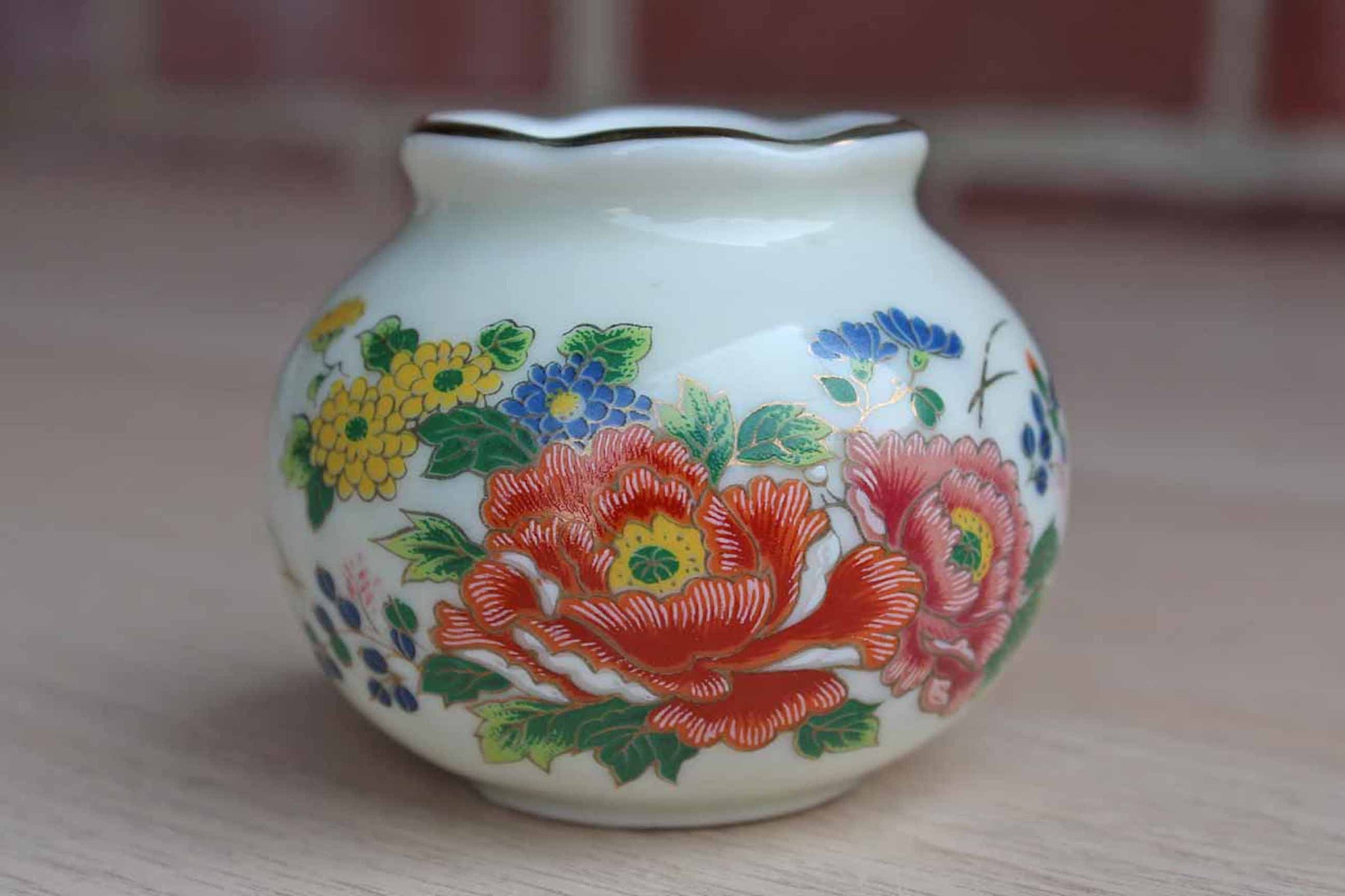 Otagiri (Japan) Little Squat Bud Vase Decorated with Flowers