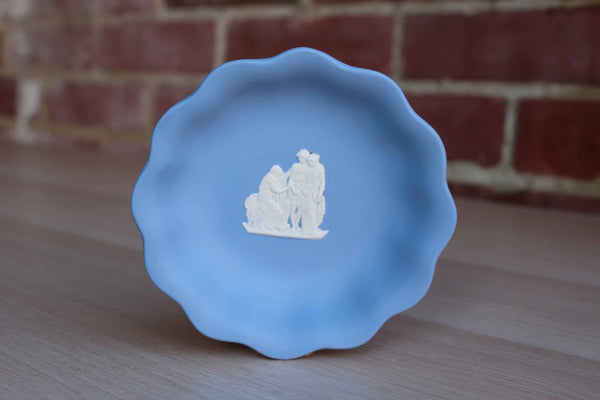Wedgwood (England) Scalloped Compote Dish with Shakespeare's Coriolanus
