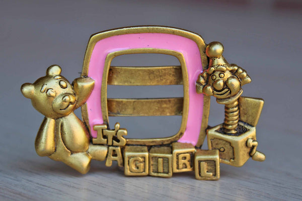 "Danecraft (Rhode Island, USA) ""It's a Girl"" Picture Brooch"