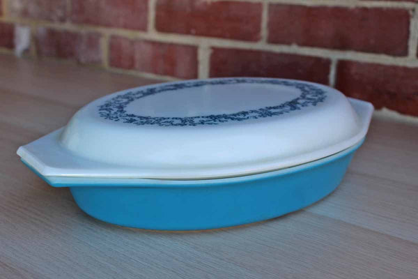 Corning Inc. (New York, USA) Pyrex Blue Ivy Divided Serving Dish with Matching Lid
