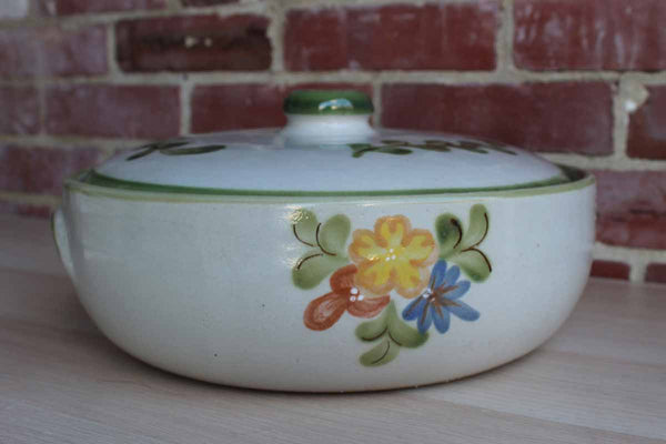 Louisville Stoneware (Kentucky, USA) Large Lidded Casserole Dish with Painted Flowers